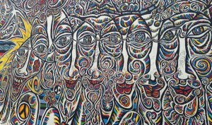 East SIde Gallery surreal ansigter