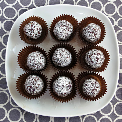 healthy vegan chocolate coconut date truffles balls