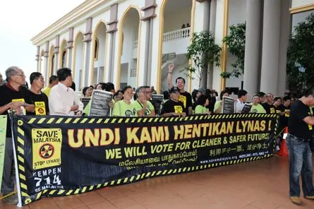 anti-Lynas rally