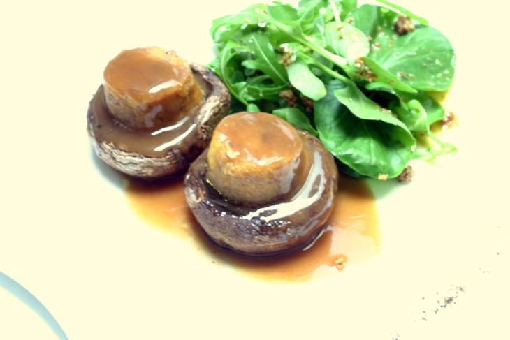 Cogumelos portobela recheados com alheira (1) 730