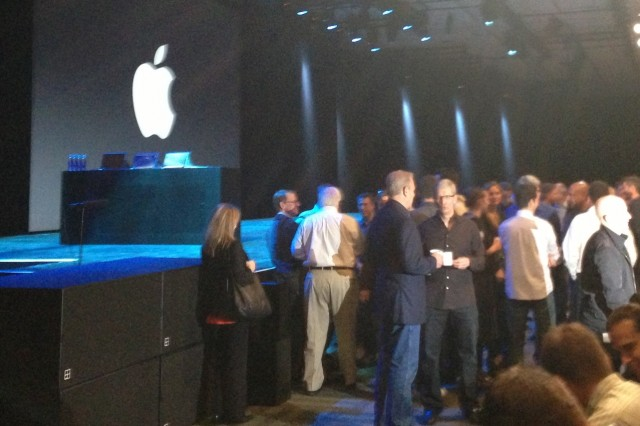 Tim Cook and Al Gore at WWDC