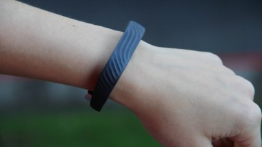 The new Jawbone Up24 looks nearly identical to the previous model.