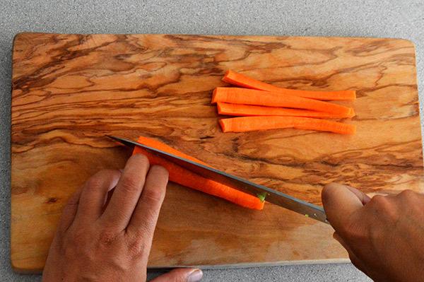 cortando-la-zanahoria