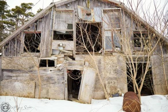 Derelict barn, Markham
