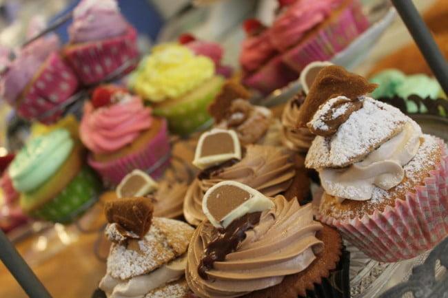 mami-lou_surtido-de-cupcakesjpg.jpg