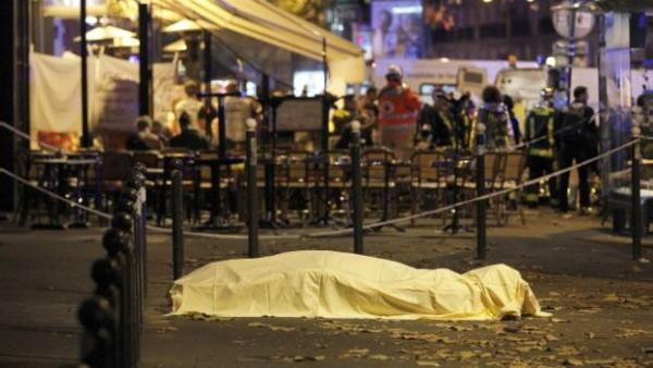 Membunuh Orang Kafir di Negeri Mereka (Menanggapi Pengeboman dan Penembakan di Paris, Perancis))
