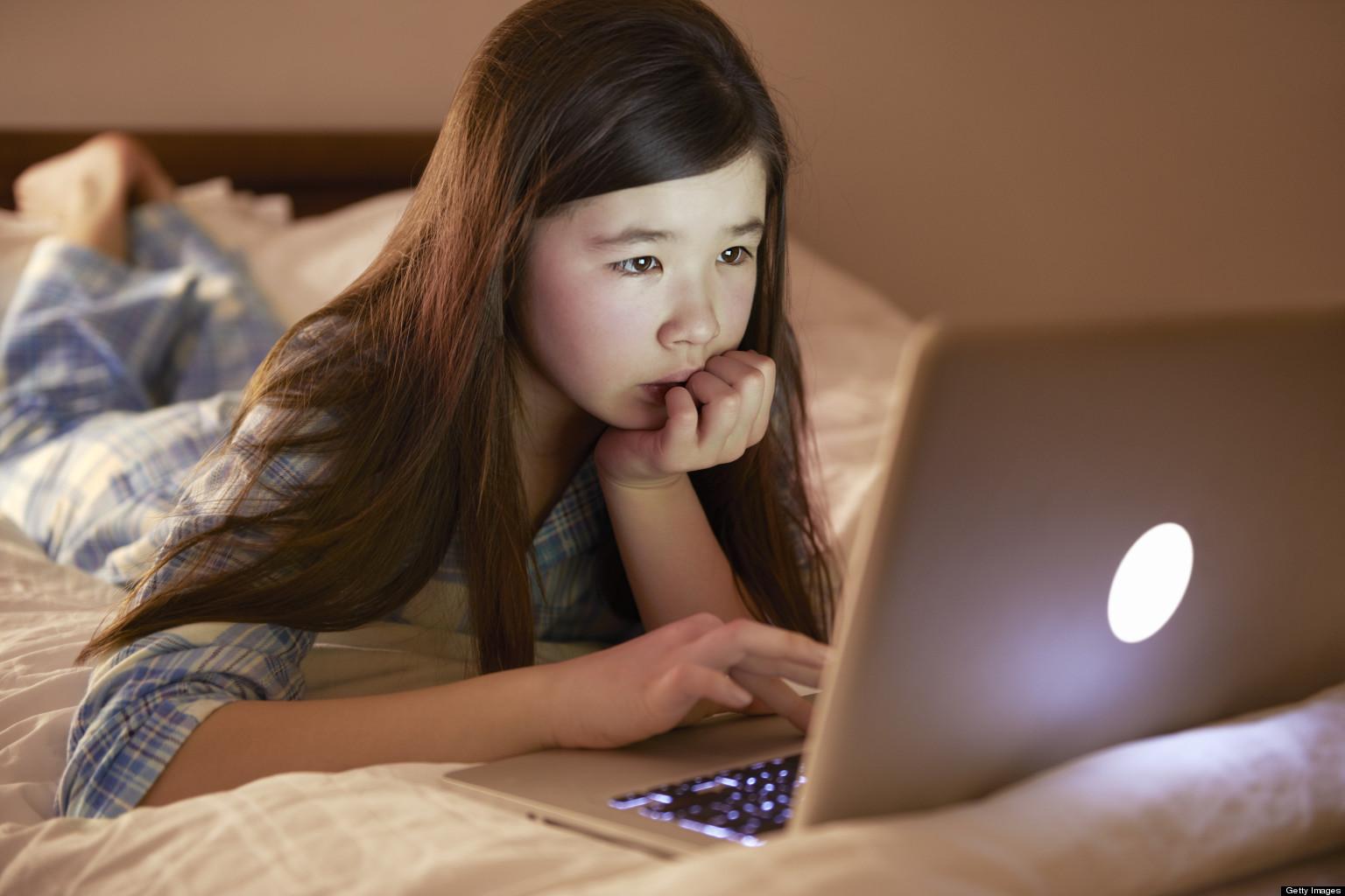 o-SOCIAL-MEDIA-KIDS-facebook