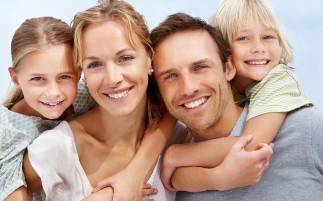 istock20-happy-20-family