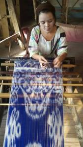 маргиланский шелк, узбекский принт, узбекские национальные узоры, орнамент икат, шелковые ткани, Ёдгорлик, завод, производство шелка