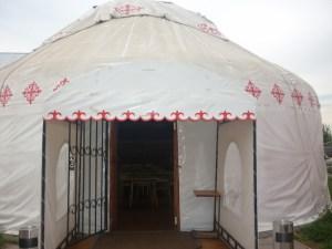 юрта внутри, как живут казахи, исторический факт, культурное наследие, традиционное жилье, возрождение традиций, казахская юрта, жить в юрте, купить юрту, юрта на заказ