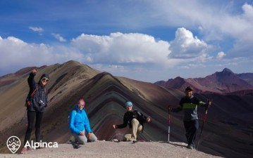 rainbow-mountain-trekking-peru-7