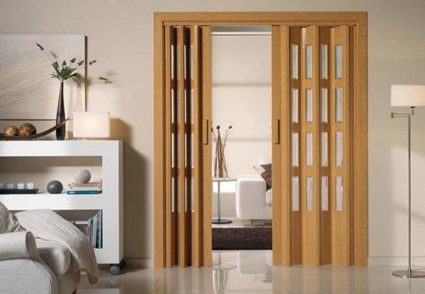 puertas plegables pvc, vidriera, apertura central, cierre magnético, plegables pvc, puertas plegables, puerta plegabler