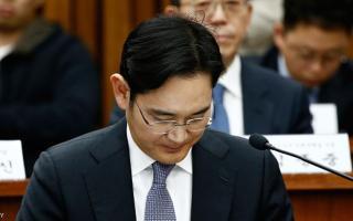 """""""عائدات إجرامية"""" وأدلة جديدة ضد رئيس سامسونغ"""