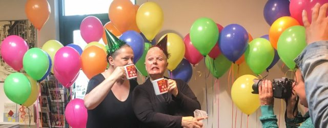 smitties-vieren-feest-zusjes