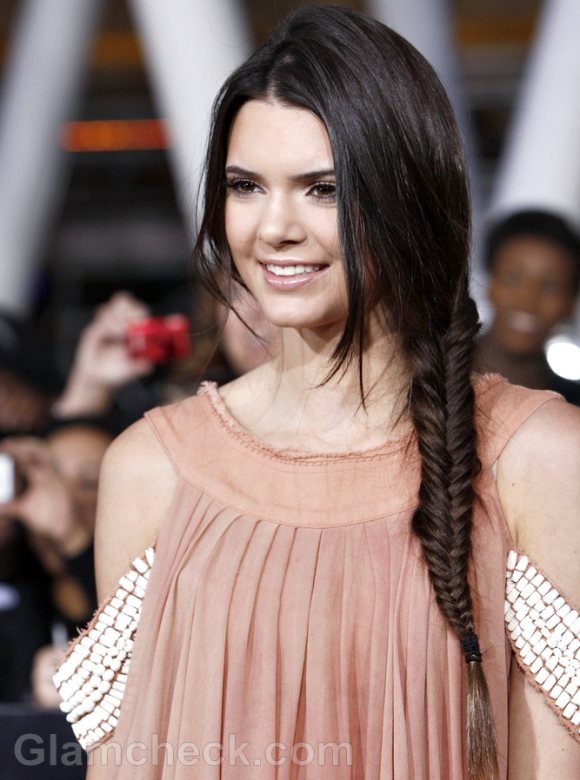 Kendall-Jenner-Sports-Side-Fishtail-Braid