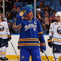 Nhl, le divise da hockey ghiaccio tornano alla tradizione: è boom dello stile retrò negli Usa