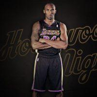 Maglia nera Lakers, Hollywood Nights sbarcano a Los Angeles