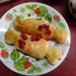 Жареные пирожки из слоеного теста с бананом (конфетки)
