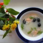 Рыбный суп с рисом и зеленым горошком