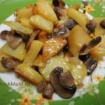 Жареный картофель с шампиньонами