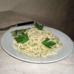 Паста с соусом из анчоусов, зелени и Пармезана