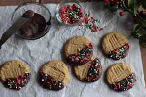 chocolate dipped peanut butter cookies, holiday peanut butter cookies