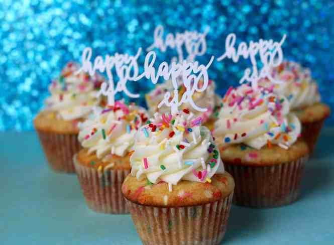 Homemade funfetti cupcakes, funfetti cupcakes