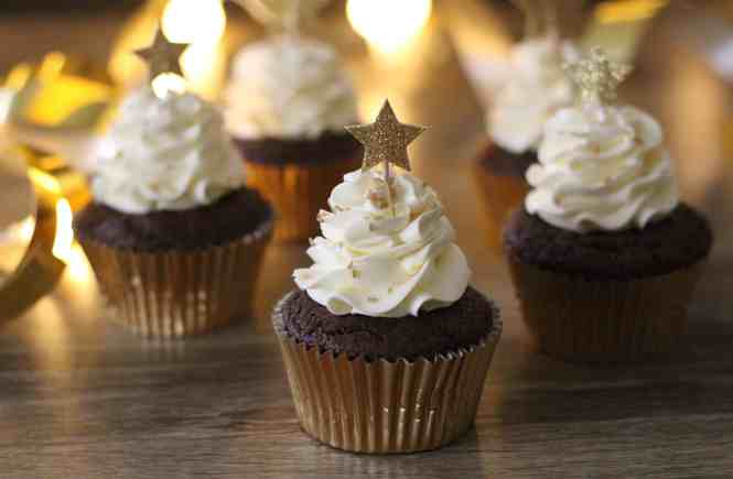 chocolate cupcakes with swiss meringue buttercream