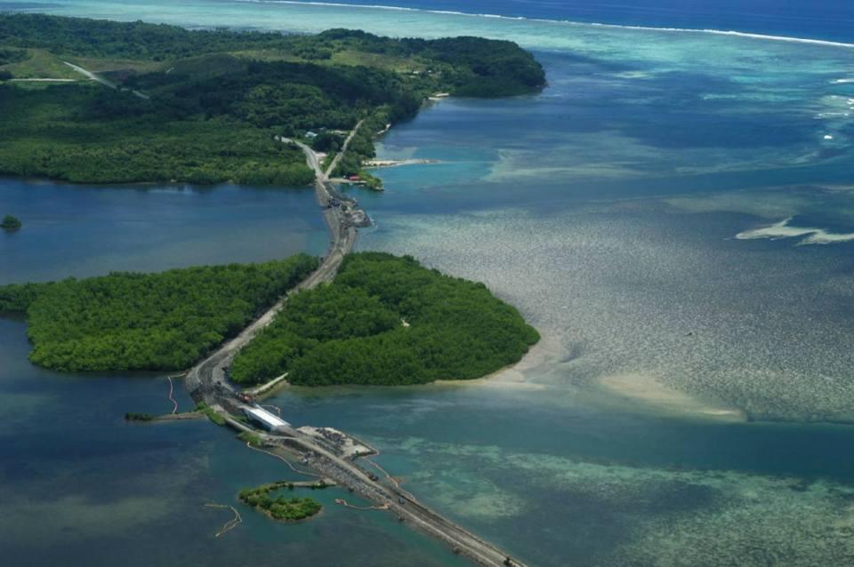 Ponte entre ilhas em Palau