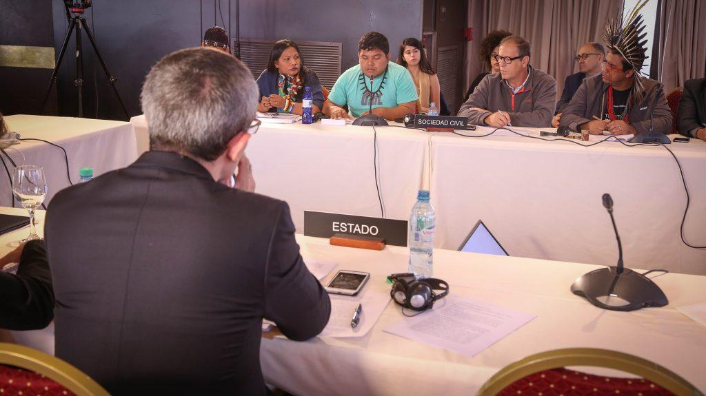 Representante do governo Temer, Alexandre Peña, do Itamaraty em primeiro plano (Foto: Caio Mota)