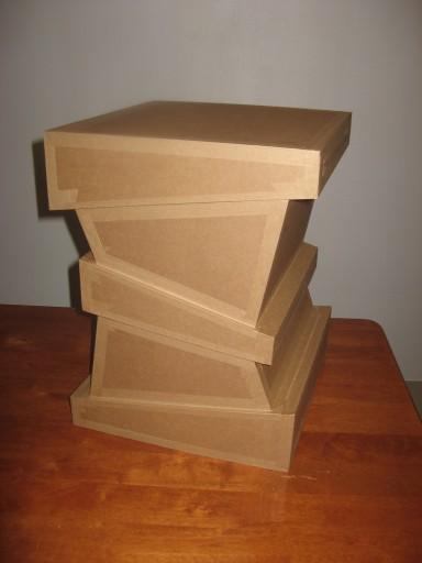 Tabouret en carton - modèle déposé l'Atelier chez Soi