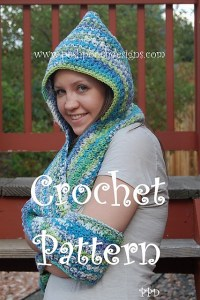 Scoodie Hooded Scarf w Pockets