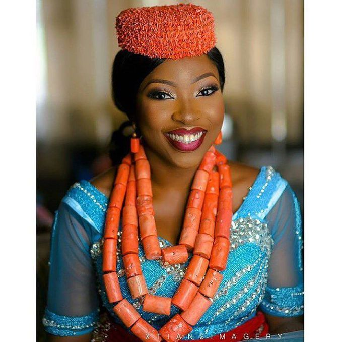 10 Lovely Traditional Bridal Makeup Looks @tiny_demi_goddess