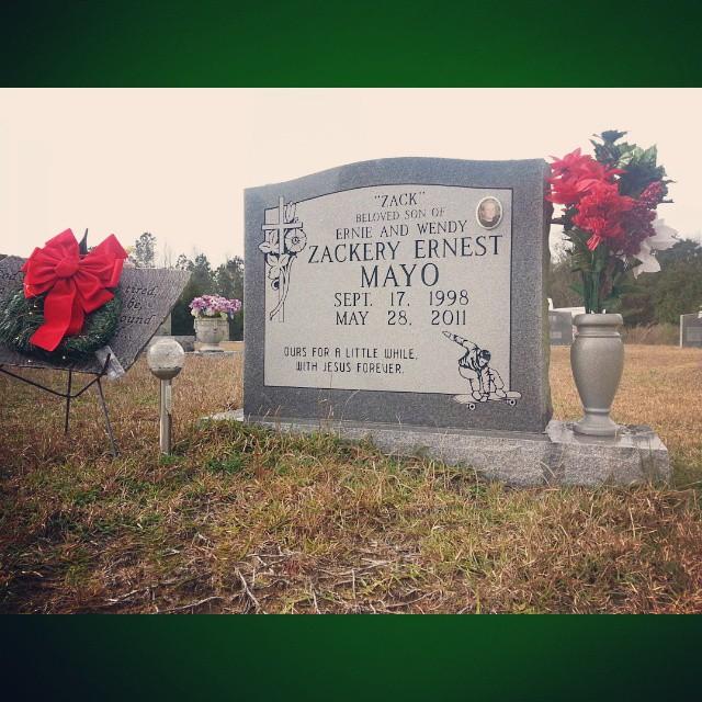 gravesite at christmas
