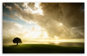 sun_shining_through_the_clouds-t2