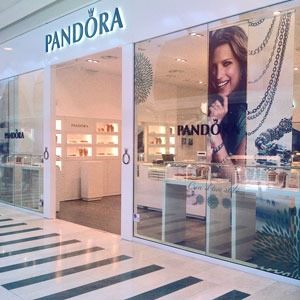 PANDORA espansione retail