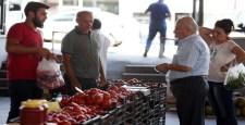 Köylü pazarları Yenimahallelilerin beğenisine sunuldu