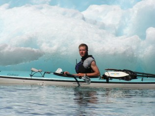 Scott Hocking living the tropical life