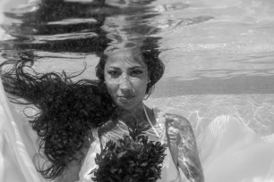 portrait of the bride under the water