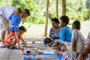 Family buys traditional Fiji jewellery