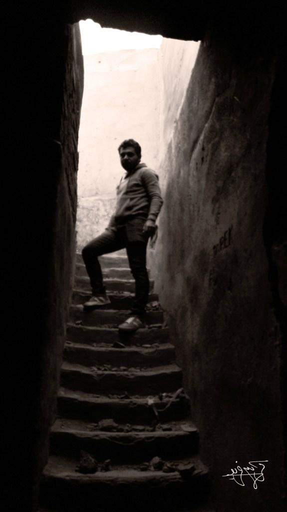 كريم فريد: السير مع الظلال