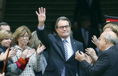 apoyo-de-los-independentistas-a-artur-mas-ante-su-declaracion-por-la-consulta-del-9n