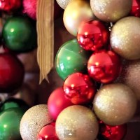 Make an Ornament Wreath Christmas Decor