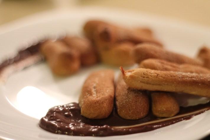 Churros cu ciocolată