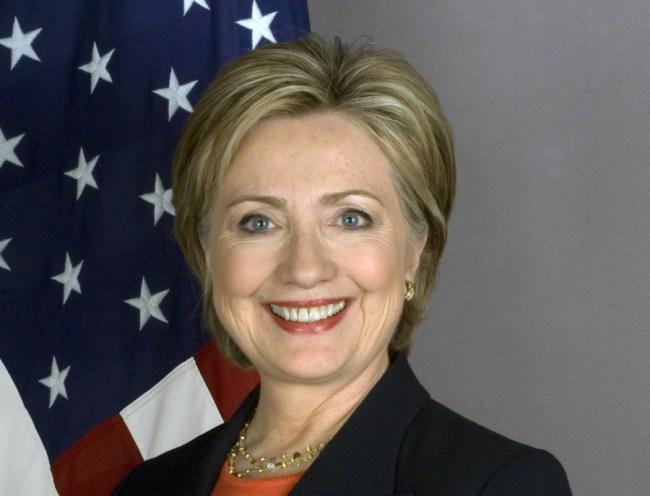 Hillary Clinton hatte während ihrer Amtszeit als US-Außenministerin Schwierigkeiten, von der National Security Agency Mobiltelefone zur Verfügung gestellt zu bekommen, die sowohl für geschützte Kommunikation geeignet als auch komfortabel zu bedienen sind. (Foto: United States Department of State)