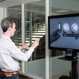 Mit den Händen sprechen: Microsoft-Forscher zeigen, was mit Gestensteuerung möglich ist und stellen Bill Gates auf den Kopf