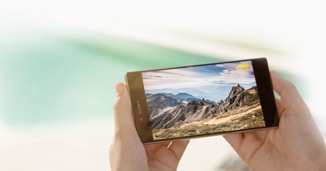 Pixelmeister - Das Phablet Sony Xperia Z5 Premium ist das erste Smartphone mit 4K-Ultra-HD-Display. Es hat mit 3840 x 2160 Pixeln die vierfache Auflösung eines Full-HD-Bildschirms und eine Pixeldichte von 806 ppi.