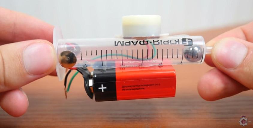 Videoanleitung: So machst du dir auf die Schnelle einen Stolperdraht-Alarm