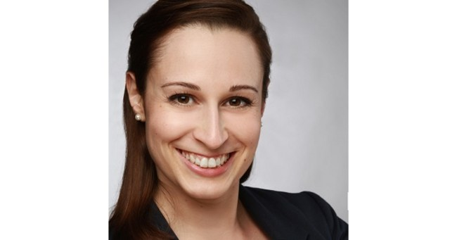 Nicole Berg, Communications Manager beim Vergleichsportal Guenstiger.de (Foto: Guenstiger.de)
