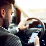 Frankreich führt totales Handy-Verbot in Autos ein – sogar im abgestellten PKW